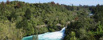 Hotels near Huka Falls