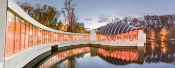 Hotels near Crystal Bridges Museum of American Art