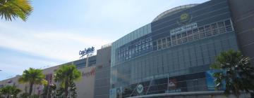 Hotels near Queensbay Mall