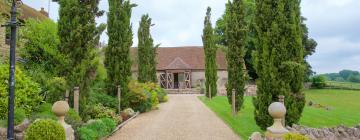 Hotels near Notley Abbey