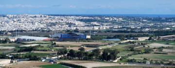 Ta' Qali National Stadium – hotely poblíž