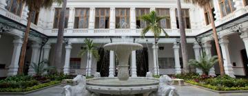 Hotels near Fine Arts Museum of Caracas