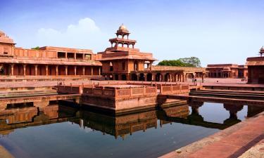Fatehpur Sikri: отели поблизости