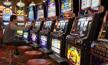 Hotels near Dreams Casino