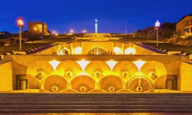 Архитектурный комплекс «Каскад»: отели поблизости