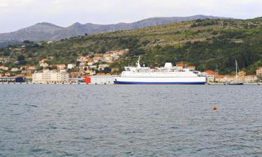 Hotels near Gruz Port