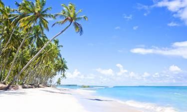 Hotels near Carneiros Beach