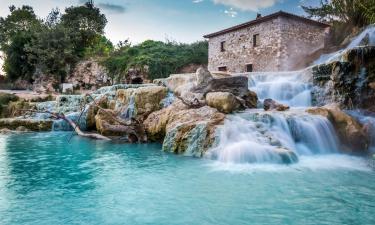 Hotell nära Cascate del Mulinos varma källor