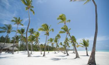 Hotels near Playa Juanillo