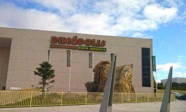 Hotels near Dinopolis