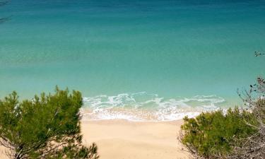 Hotels near Makris Gialos Beach