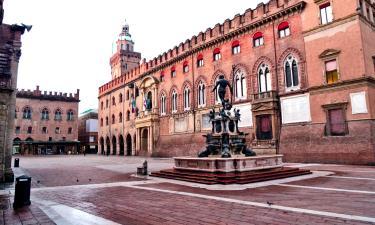 Hotels near Piazza Maggiore