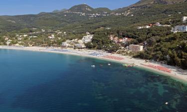 Hotels near Valtos beach