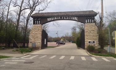 Hotels near Ravinia Festival
