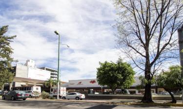 Hotels near Plaza del Sol