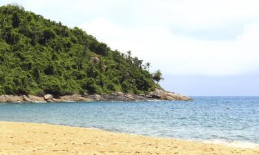 Hotels near Curral Beach