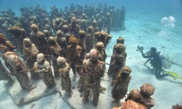 Cancun Underwater Museum – hotely v okolí