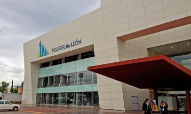Hotels near Leon Poliforum