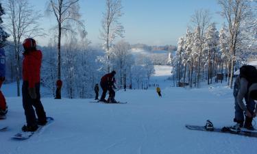 Hotellid huviväärsuse Skiing track Kamparkalns lähedal