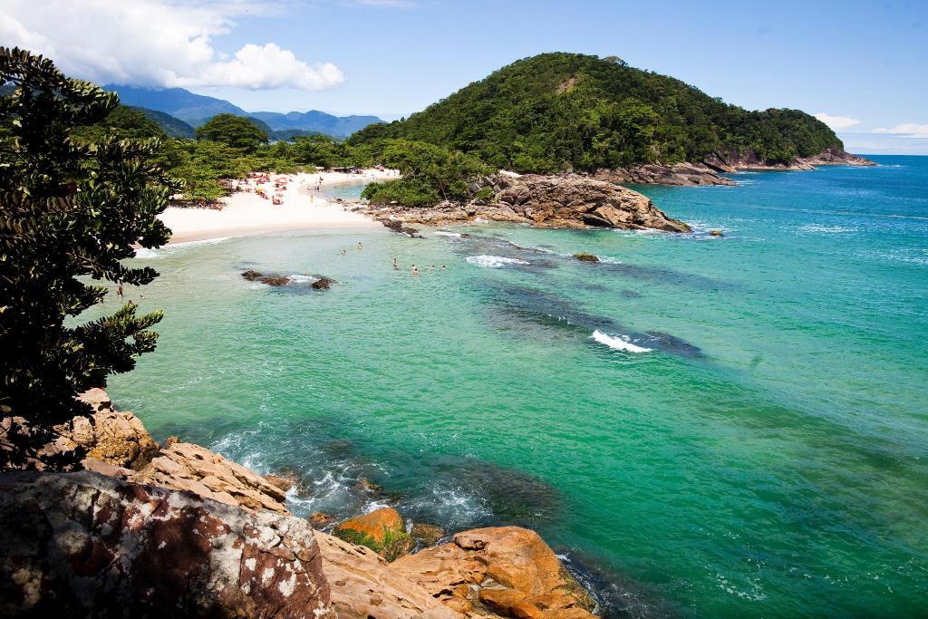 Praia em Paraty - Foto Booking
