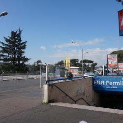 Stazione Metro EUR Fermi