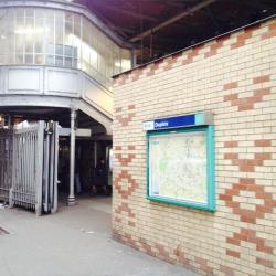 Dupleix Metro Station