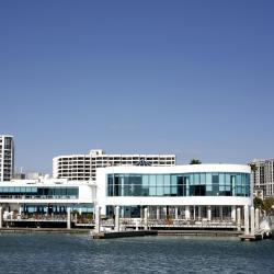 Marina Jack Restaurant und Hafen