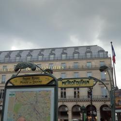 Métro Palais-Royal - Musée du Louvre
