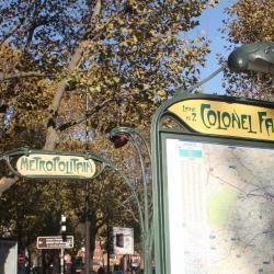 Σταθμός Μετρό Colonel Fabien