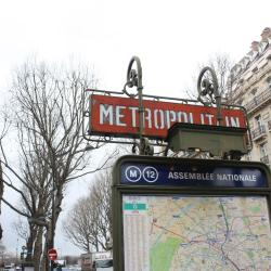 Assemblée Nationale Metro Station