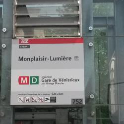 Métro Monplaisir - Lumière