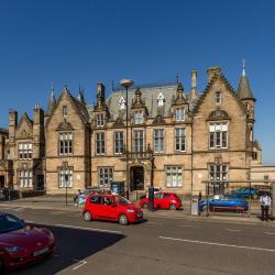 Stirling Court