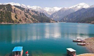 Hotels with Parking in Xinjiang
