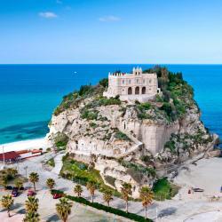 Calabria 7 hostels