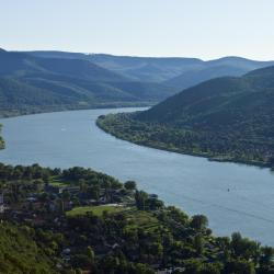 Danube Bend 13 hotels with pools