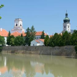 Szigetkoz 13 hotels with a jacuzzi
