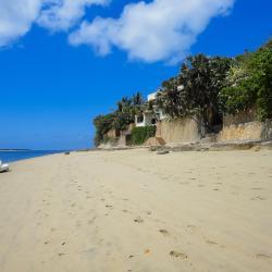 Lamu 18 budget hotels