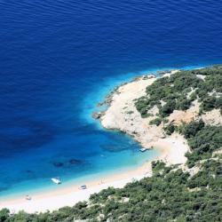 Cres Island 3 resorts