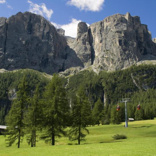 Hike to the Pisciadù waterfalls