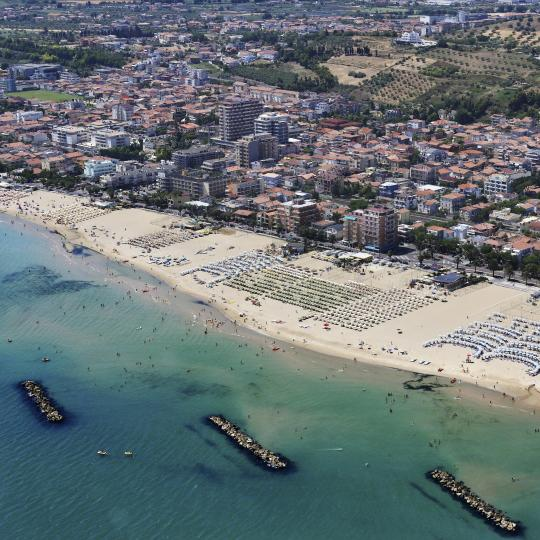 Blue-flag beaches along the coast of Abruzzo