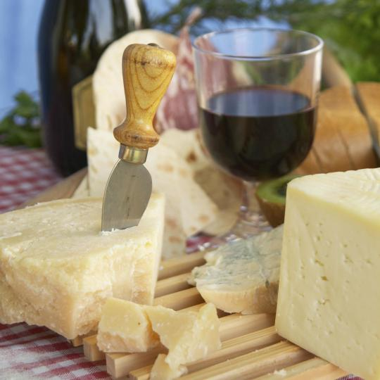 Guided wine and food tasting sessions