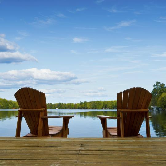 Unwind in the picturesque Muskoka Cottage Country