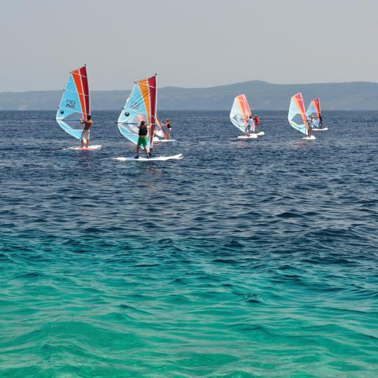 Windsurfing and kitesurfing in Bol