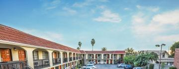 All hotels with parking