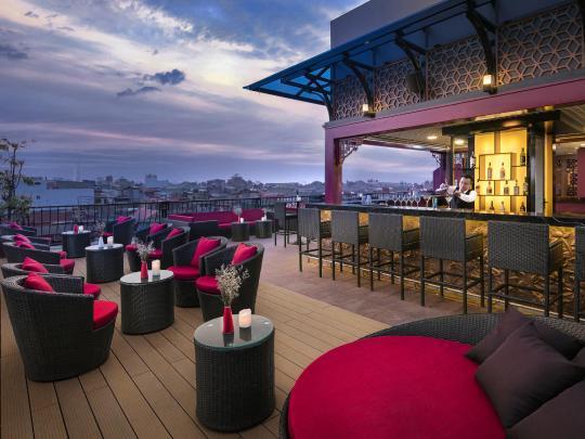 Los hoteles con los mejores bares en la azotea