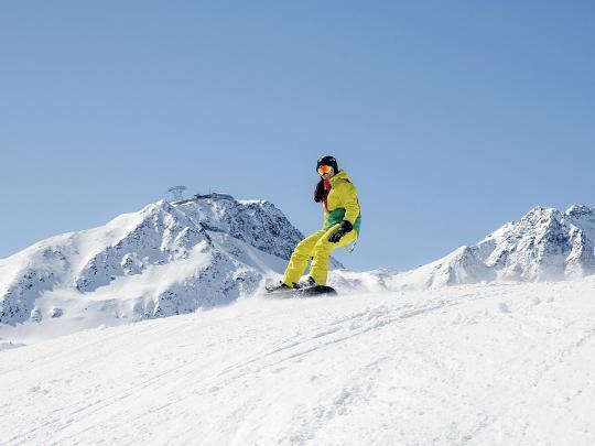 Destinasi snowboarding terbaik dunia