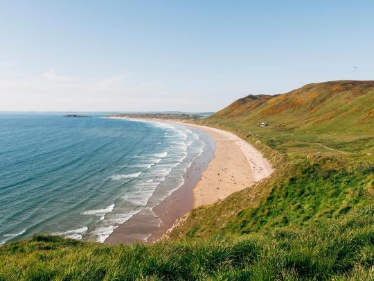 7 Ison-Britannian eksoottisimman näköistä rantaa
