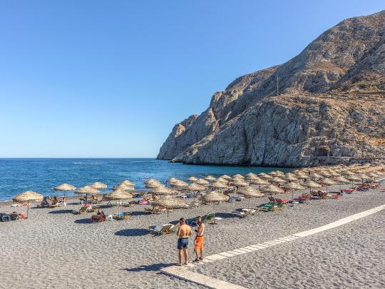9 flotte greske strender du kan dra til i sommer