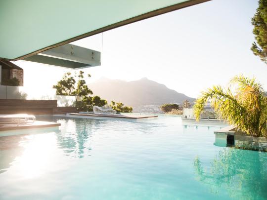 5 najimpresivnijih bazena na vrhu planine