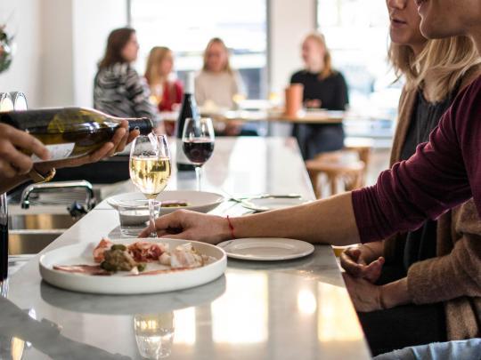 6 najlepszych barów z winem naturalnym w Europie